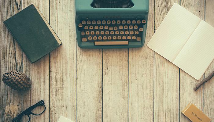 máquina de escrever redações