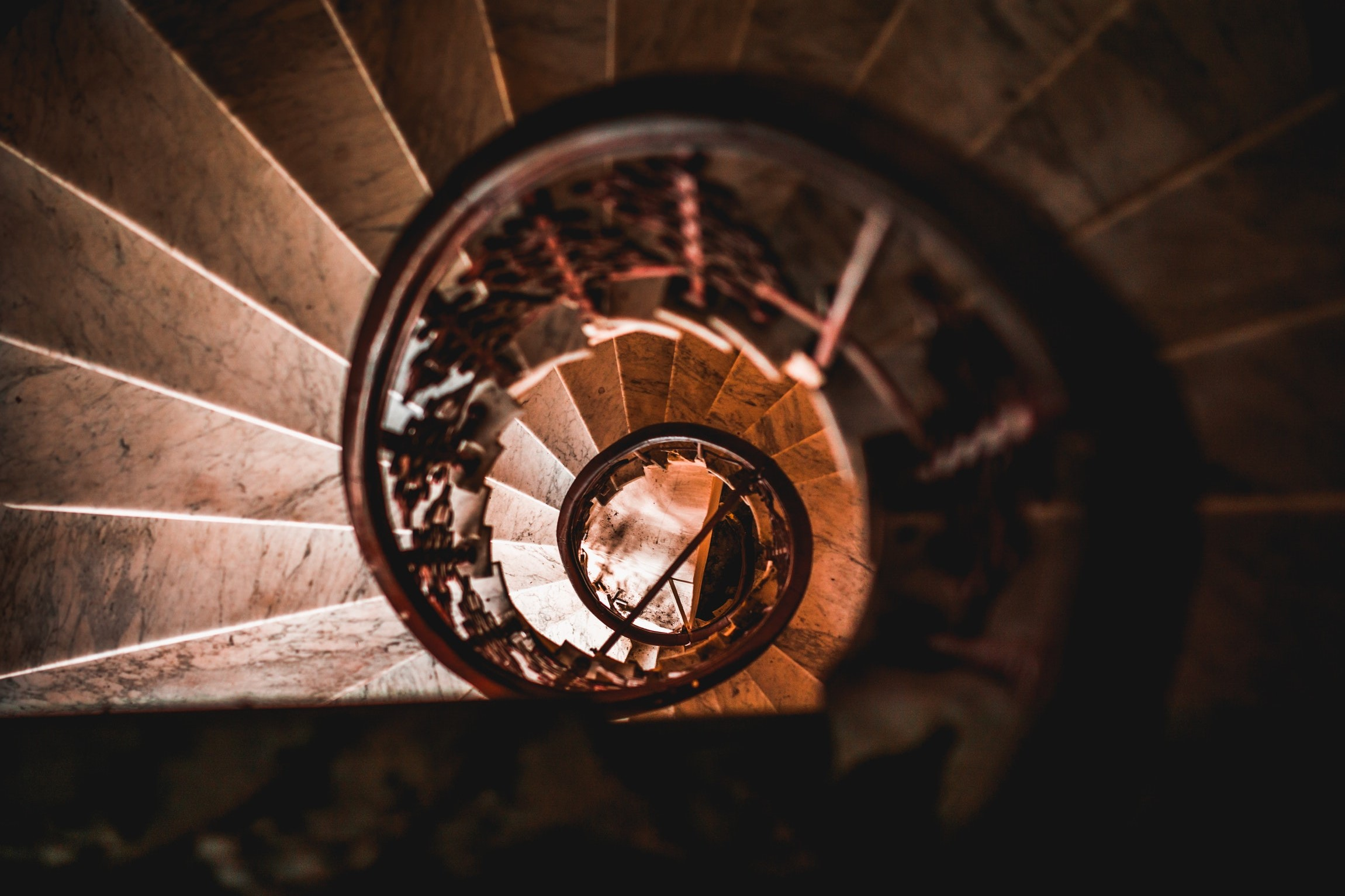 escada caracol de novo ou denovo